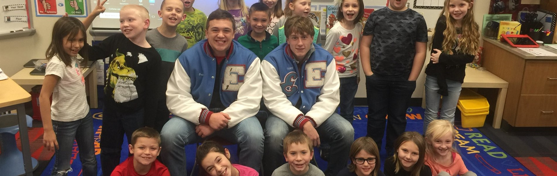 2nd graders get a visit from EHS varsity football players
